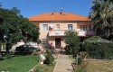 Apartman Danijela je za maksimalno 6 osoba 90 m2, sa tri odvojene sobe-bračni krevet, balkonom, tv sat, kompletnom kuhinjom i kupaonicom
